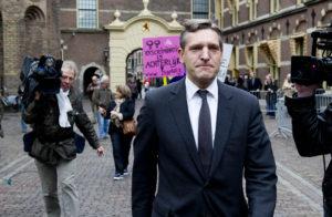 DEN HAAG - CDA-fractieleider Sybrandt van Haersma Buma komt aan voor de ingelaste ministerraad over de politieke crisis. ANP ROBIN UTRECHT